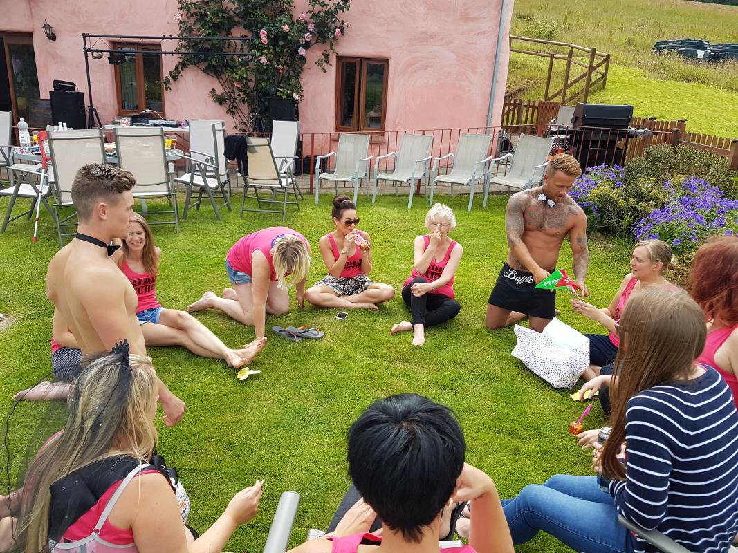 hen party games with butlers