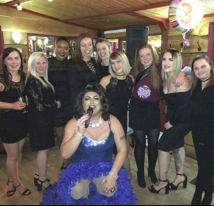 drag queens - bufflers entertainment